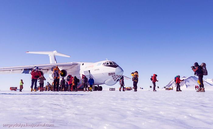 самолет в Антарктиде